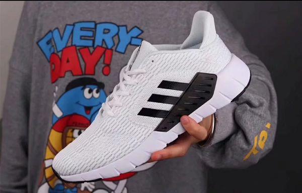 adidas asweego 2019新款 夏季緩震網面透氣情侶款跑步鞋